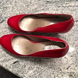 Alfani step n flex red high heel shoes  size 8.5